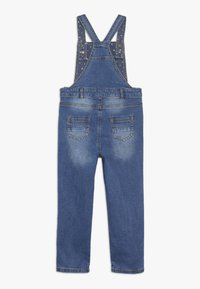 mothercare - DUNGAREE - Hängselbyxor - denim - 1
