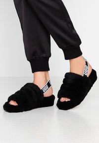 UGG - FLUFF YEAH SLIDE - Platform sandals - black - 0