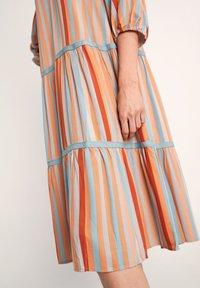 comma - Day dress - terracotta stripes - 5