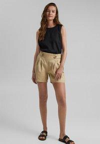 Esprit - Shorts - sand - 1
