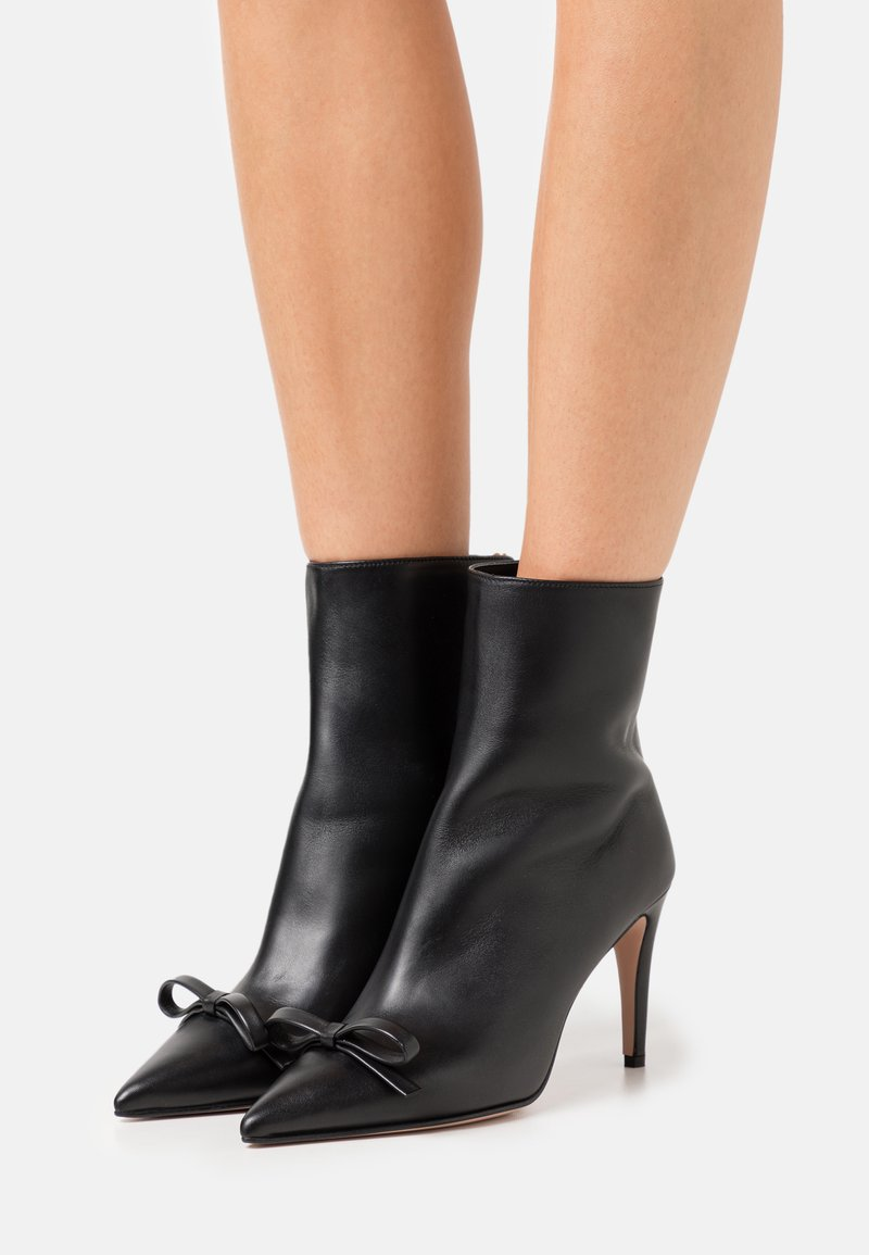 Red V - BOOTIE  - High heeled ankle boots - nero