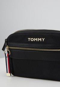Tommy Hilfiger - CROSSOVER - Torba na ramię - black - 4