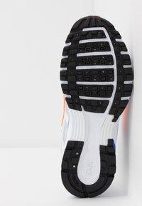 Nike Sportswear - P-6000 - Sneakers basse - white/hyper crimson/racer blue/black/pure platinum - 4