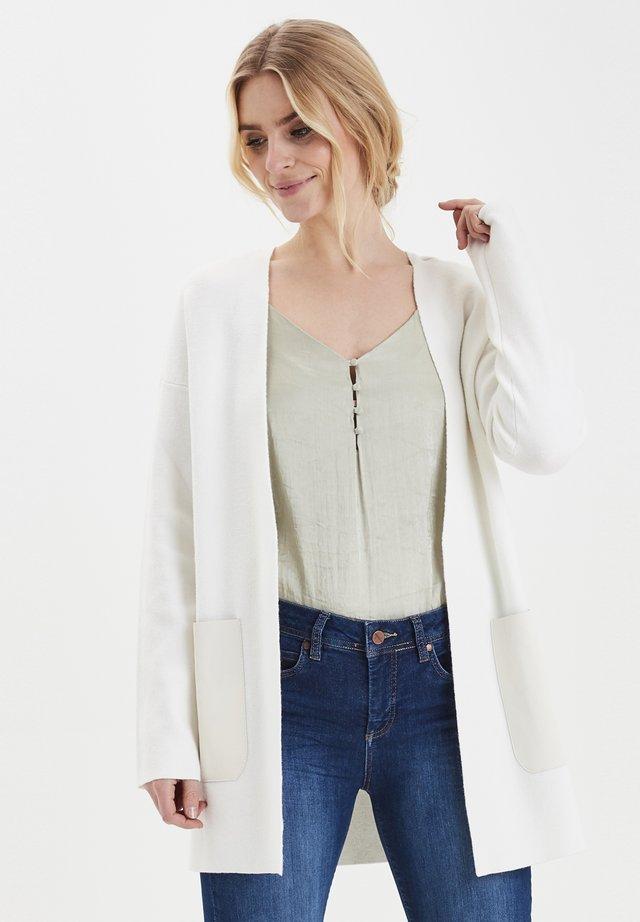 DRIATRIX - Vest - whisper white