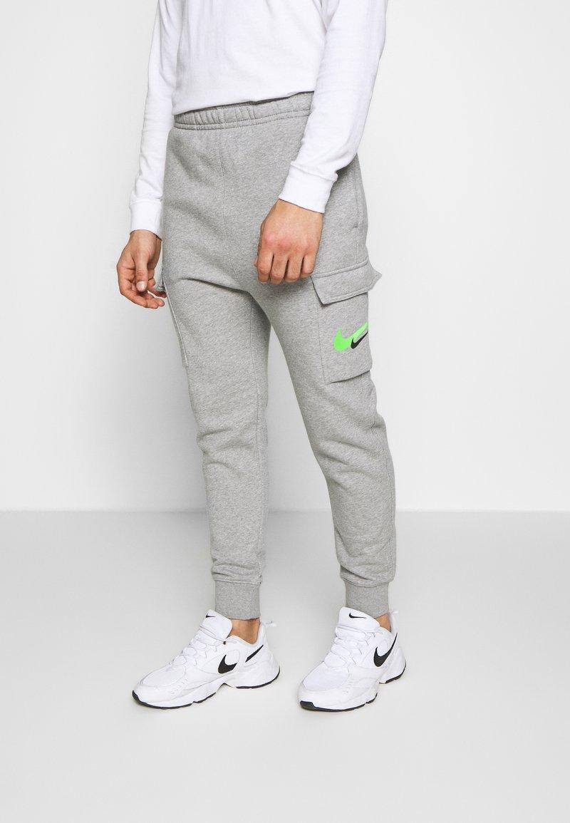 Nike Sportswear - PANT CARGO - Verryttelyhousut - grey heather