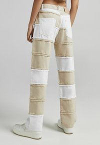 Bershka - Jeans straight leg - camel - 2