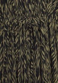 Moss Copenhagen - CALIE MOROCCO DRESS - Košilové šaty - sage - 2