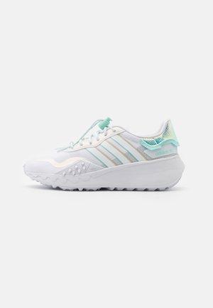 CHOIGO RUNNER - Tenisky - footwear white/clear mint/grey one