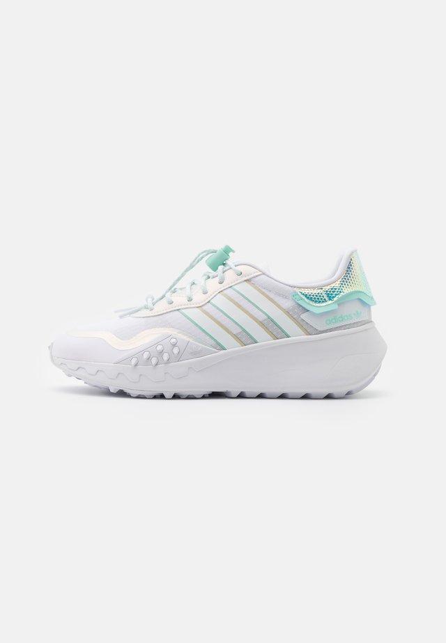 CHOIGO RUNNER - Zapatillas - footwear white/clear mint/grey one