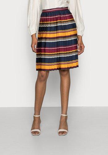 PLEATED KNEE SKIRT - Plisovaná sukně - blanket amber glow
