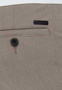 Jack & Jones - CHINO MARCO CONNOR AKM 1008 - Pantalones chinos - crockery - 5