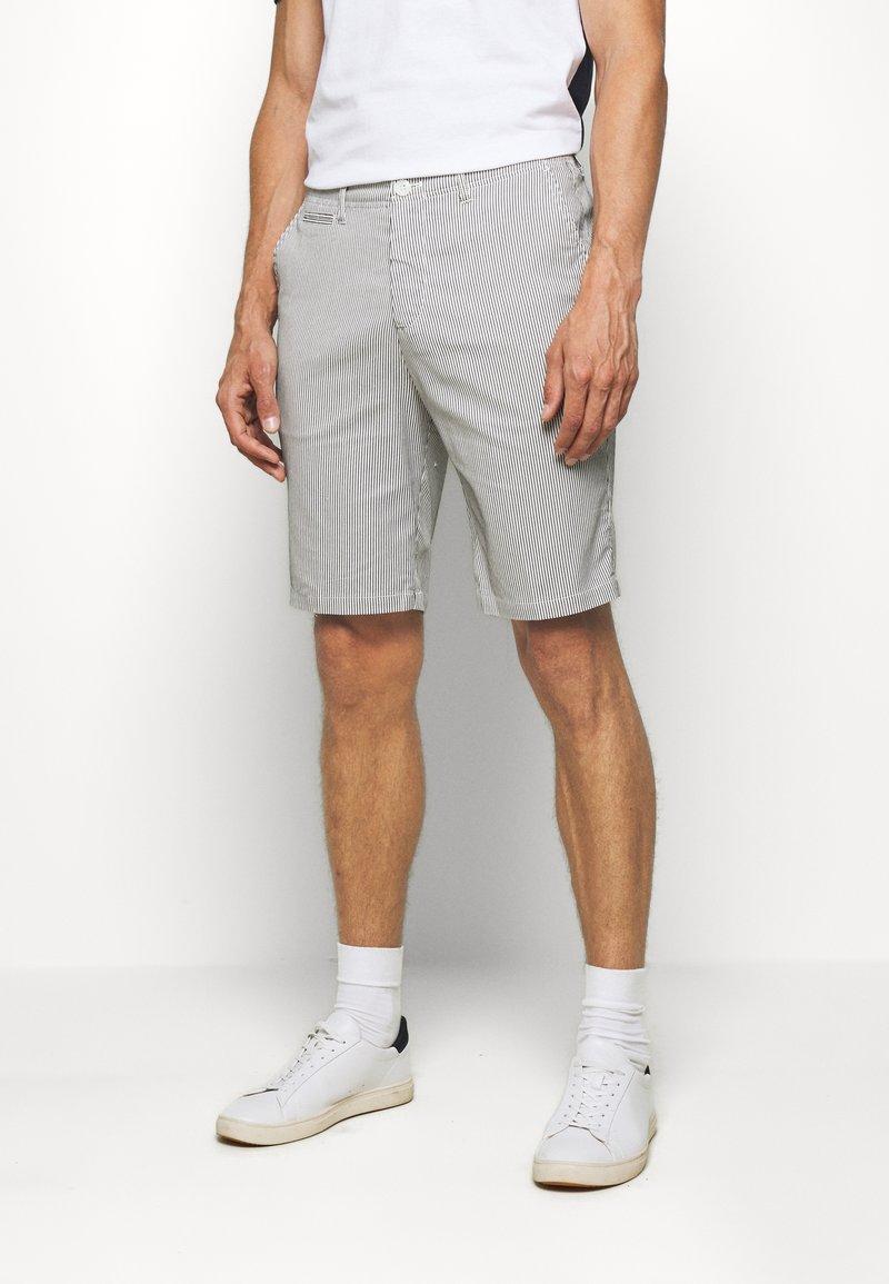 Casual Friday - SHORTS CFPERSEY STRIPE - Shorts - ecru