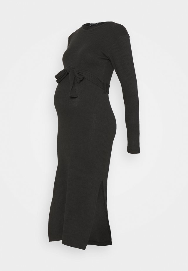 BELT SIDE SPLIT MIDI DRESS - Strikkjoler - black