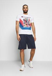 Champion Rochester - ROCHESTER GRAPHIC CREWNECK - Print T-shirt - white - 1