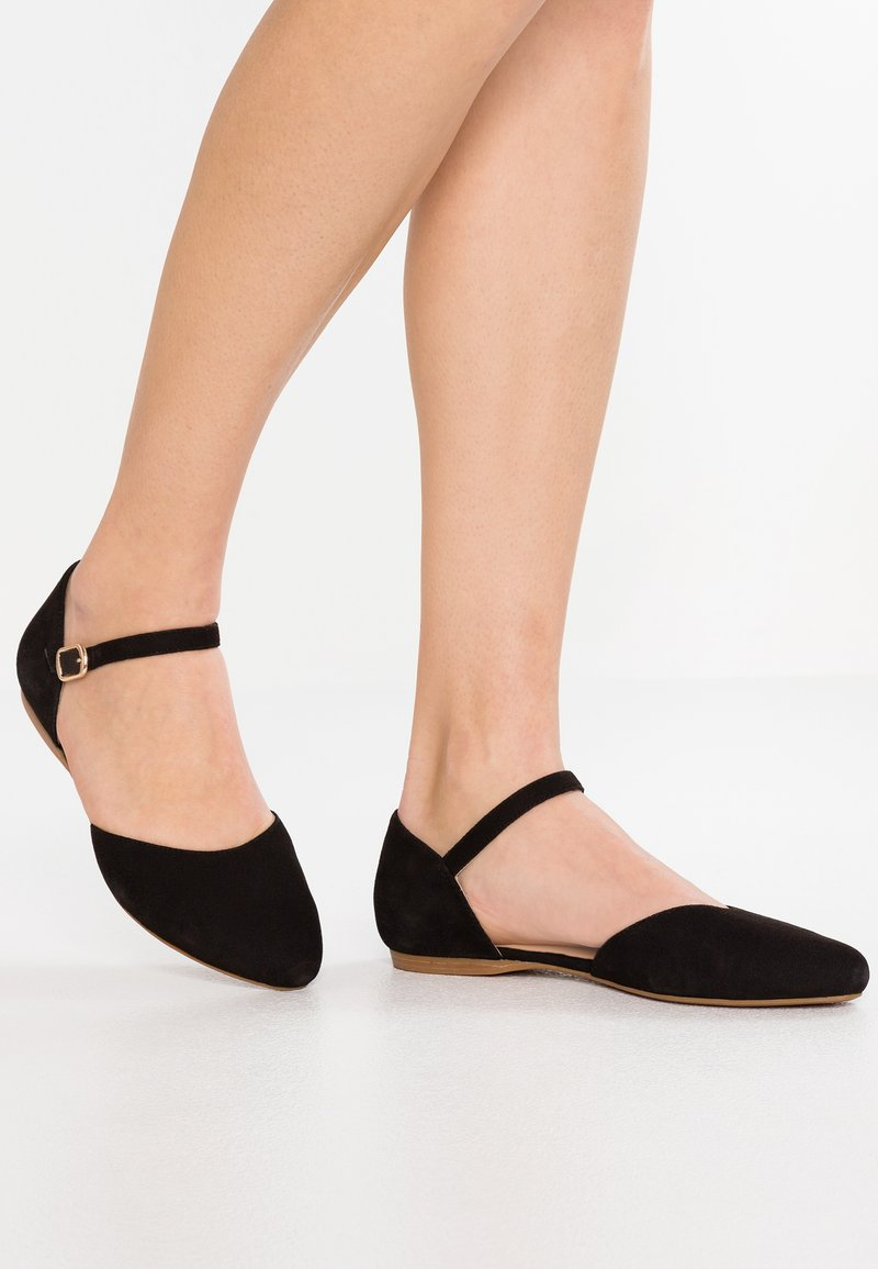 Pier One Wide Fit - Ankle strap ballet pumps - black