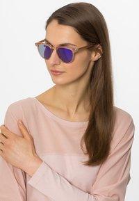 Komono - FRANCIS - Sunglasses - pearl - 0