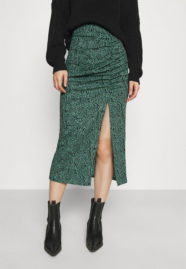 ONLJESSY ROUCHING SKIRT - Falda de tubo - balsam green/black