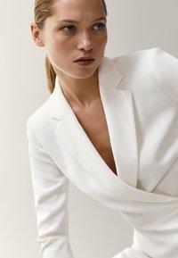 Massimo Dutti - MIT VOLANT - Day dress - white - 2