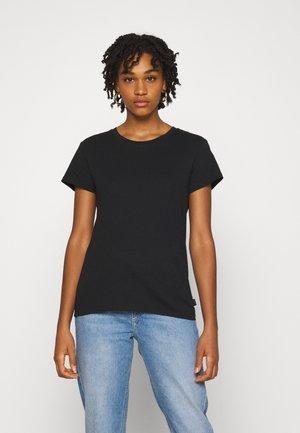 SLIM FIT TEE - Camiseta básica - black
