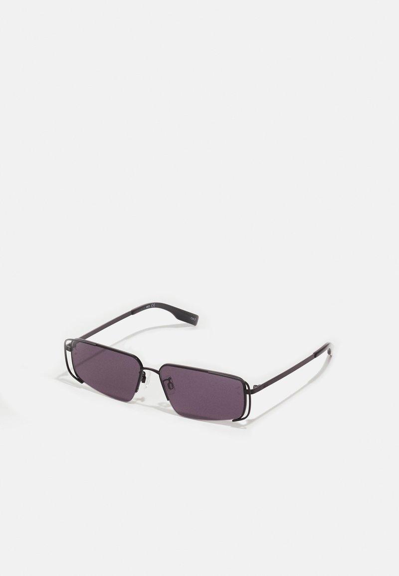 McQ Alexander McQueen - UNISEX - Sluneční brýle - black/smoke