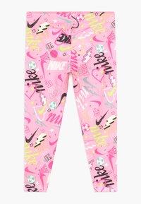 Nike Sportswear - SCRIBBLE PRINT - Leggingsit - pink - 1