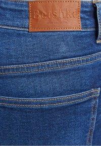 Bershka - Jeans Skinny Fit - royal blue - 4