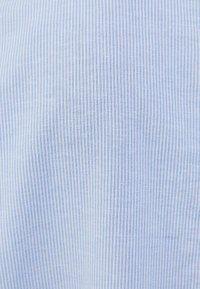 Bershka - Vapaa-ajan kauluspaita - light blue - 5