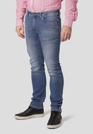 ROBBIE - Slim fit jeans - light blue wash