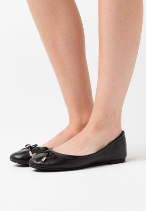 UNELAMMA - Bailarinas - black