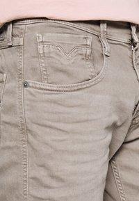 Replay - ANBASS - Slim fit jeans - safari - 4