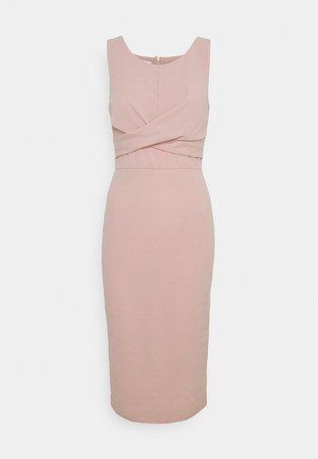 SAKINA WRAP MIDI DRESS - Vestito di maglina - blush pink