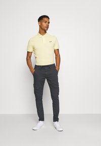 Pepe Jeans - JARED - Cargo trousers - admiral - 1