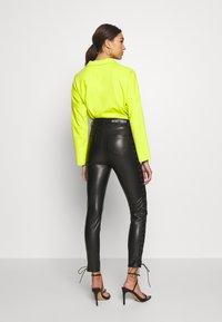WRSTBHVR - PANTS DAMN - Kalhoty - black - 2