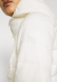 Abercrombie & Fitch - PACKABLE PUFFER POLY - Light jacket - white - 6