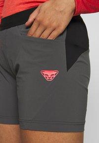 Dynafit - TRANSALPER HYBRID SHORTS - Sports shorts - magnet - 4