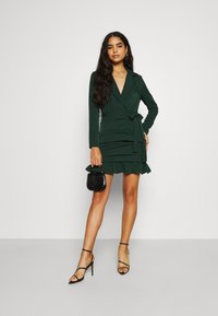 Missguided - RUCHED FRILL HEM - Cocktail dress / Party dress - dark green - 1