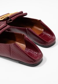 See by Chloé - Slip-ons - bordeaux - 7