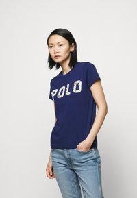 Polo Ralph Lauren - T-shirt con stampa - holiday navy - 0