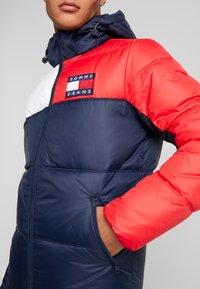 Tommy Jeans - ESSENTIAL COLORBLOCK JACKET - Winter jacket - black iris - 5