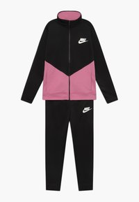 Nike Sportswear - B NSW CORE TRK STE PLY FUTURA - Sportovní bunda - black/magic flamingo - 0