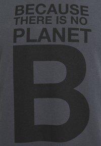 Ecoalf - NATAL GREAT MAN - T-shirt imprimé - caviar - 2