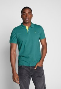 TOM TAILOR - BASIC WITH CONTRAST - Polo shirt - ever green - 0