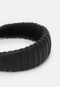 ARKET - Příslušenství kvlasovému stylingu - black - 2