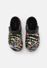 Crocs - CLASSIC OUT OF THIS WORLD UNISEX - Kapcie - black/multicolor - 3