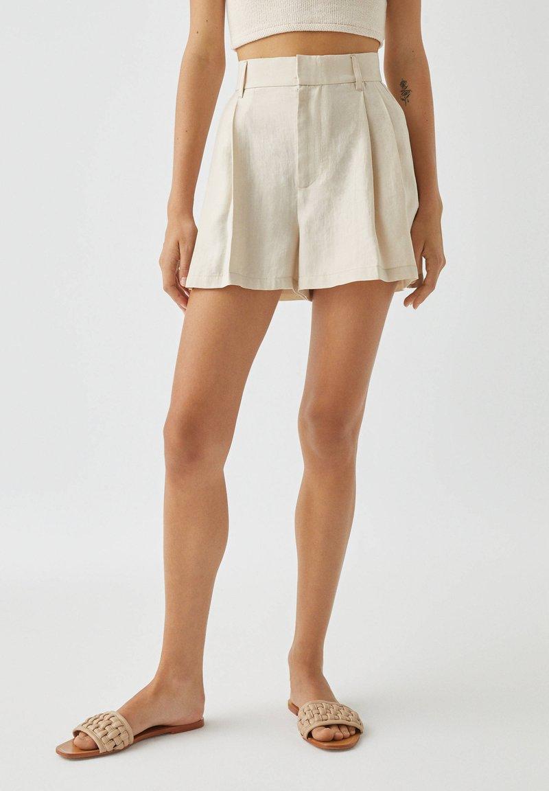 PULL&BEAR - Shorts - white