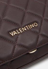 Valentino by Mario Valentino - OCARINA - Across body bag - caffe - 4