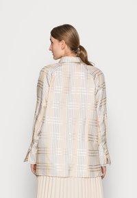 IVY & OAK - DARLA - Button-down blouse - beige - 2