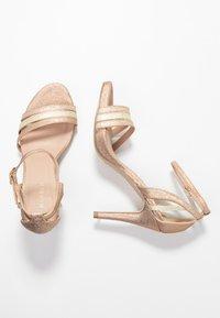 Menbur - Korolliset sandaalit - sand - 3