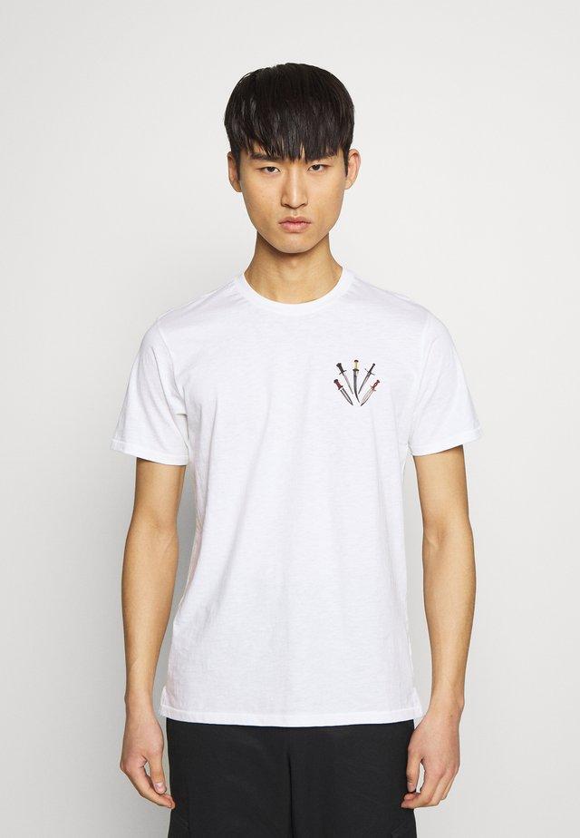 SMALL DAGGER - T-shirts print - white