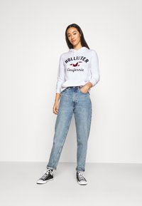 Hollister Co. - TERRY TECH CORE - Hoodie - white - 1